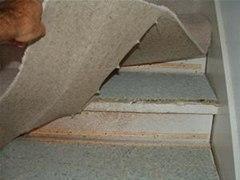 install-laminate-flooring-stairs.1