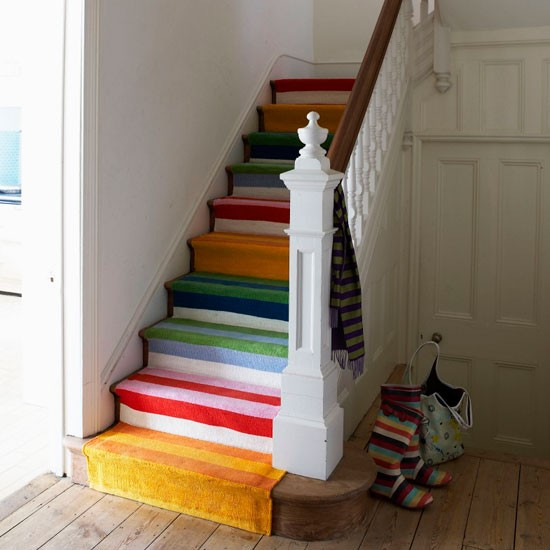 Colourful-runner-staircase