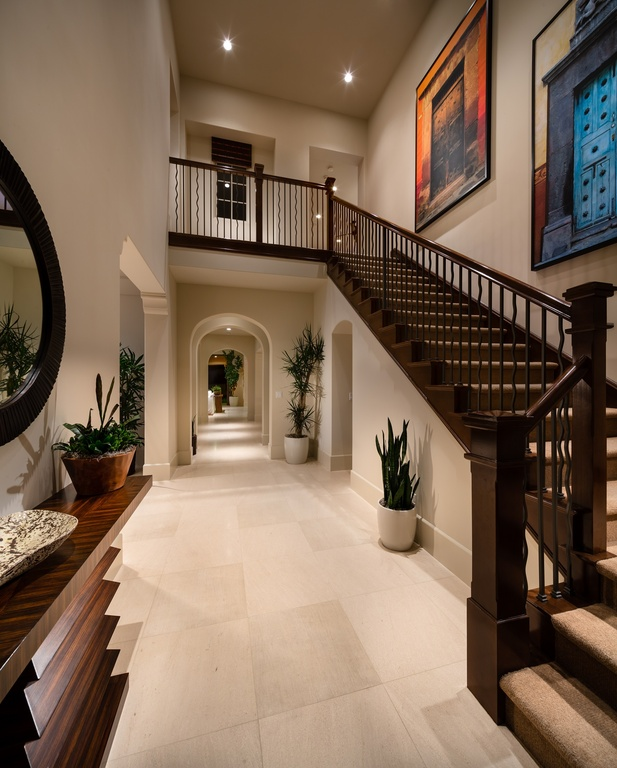 Traditional Staircase 7